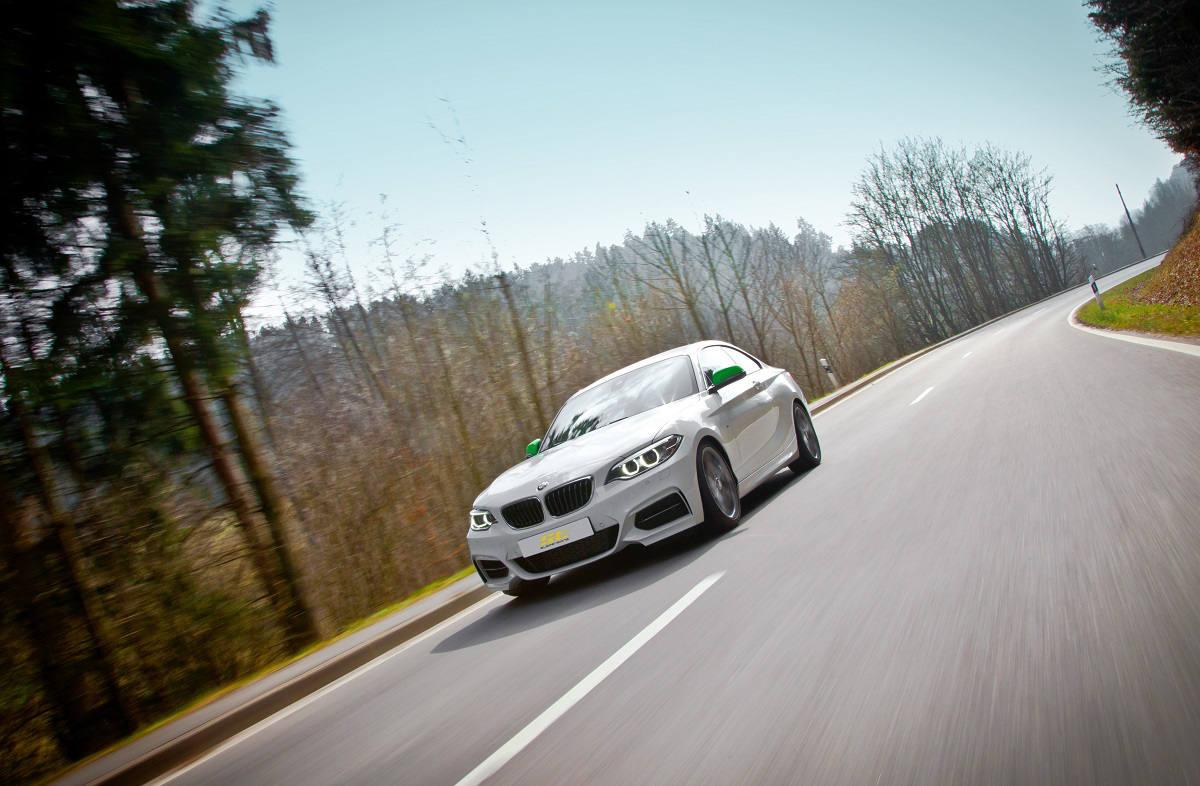 low_ST_BMW_M235i_Fahraufnahme